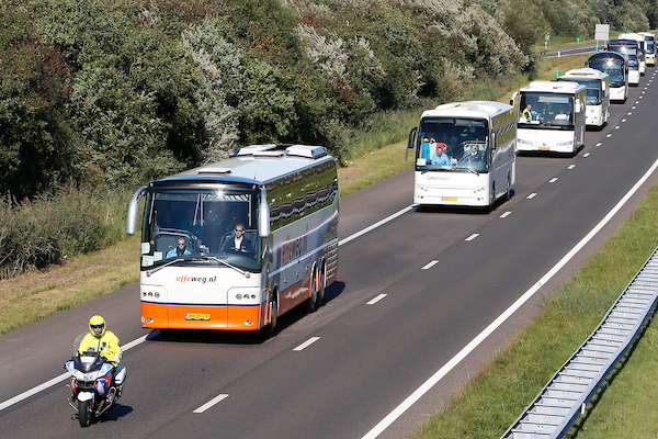 Vanaf Eindhoven Uit Biertje Bij Verplichte Buscombi Sc Cambuur